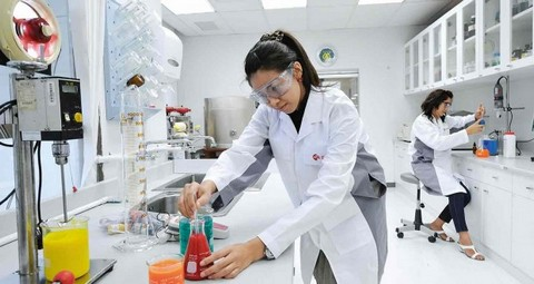 Technology-Research-laboratory-engineer